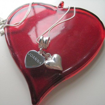 Why to gift an engraved personalised heart necklace to your sweetheart