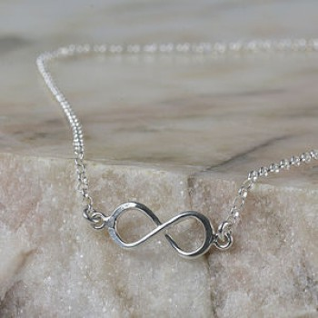 How to gift an infinity necklace uk to others