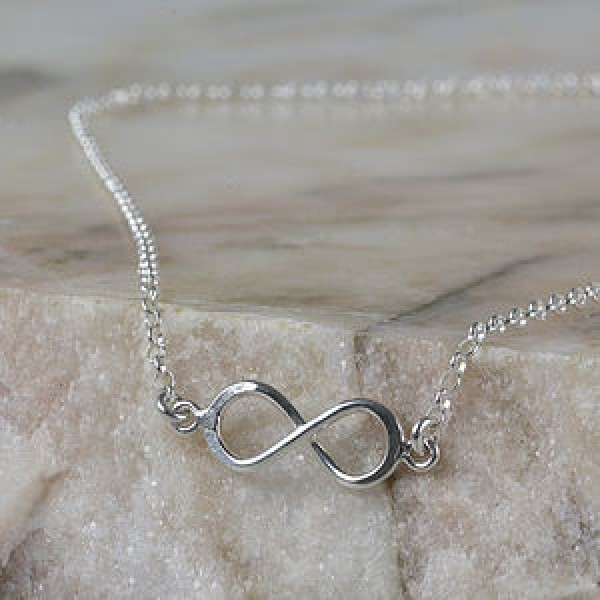 375be3e0785 How to gift an infinity necklace uk to your best friend