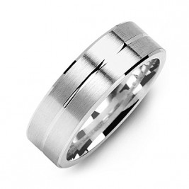 Brushed Men's Ring with Beveled Edges and Lined Centre