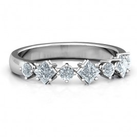 Shape of her Heart Band Ring