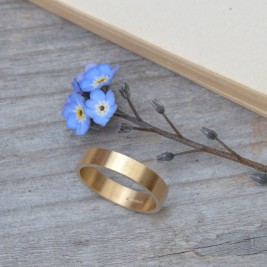 Personalised Wedding Band In 18ct Yellow Gold 4mm Wide