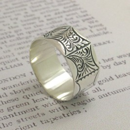 Mens Victorian Style Ring