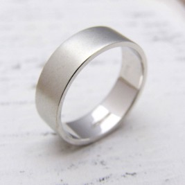 Personalised 18ct White Gold Wedding Ring