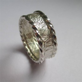 Rocky Outcrop Twist Ring