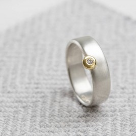 Slim Offset Ring