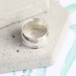 Sterling Silver Hammered Effect Spinning Ring